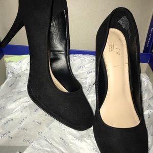 Apt 9 suede heels